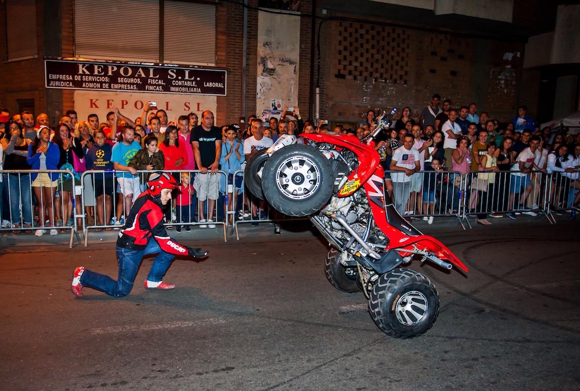 18_EMILIO_ZAMORA_DUCATI_STUNT_TEAM_MOTOR_SHOW_ESPECTACULO_EXHIBICION_MOTO_QUAD_COCHE_DRIFT_LA BAÑEZA_BY_TRAZANDO_FINO