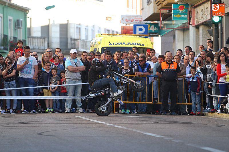 concentracion-motera-guijuelo_salamanca_emilio_zamora_ducati_stunt_team_motor_show_espectacular_exhibicion_moto-16