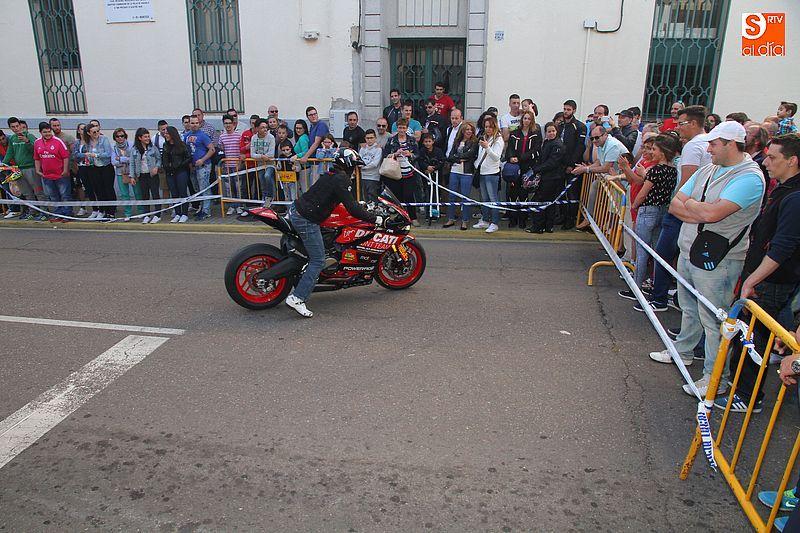 concentracion-motera-guijuelo_salamanca_emilio_zamora_ducati_stunt_team_motor_show_espectacular_exhibicion_moto-5