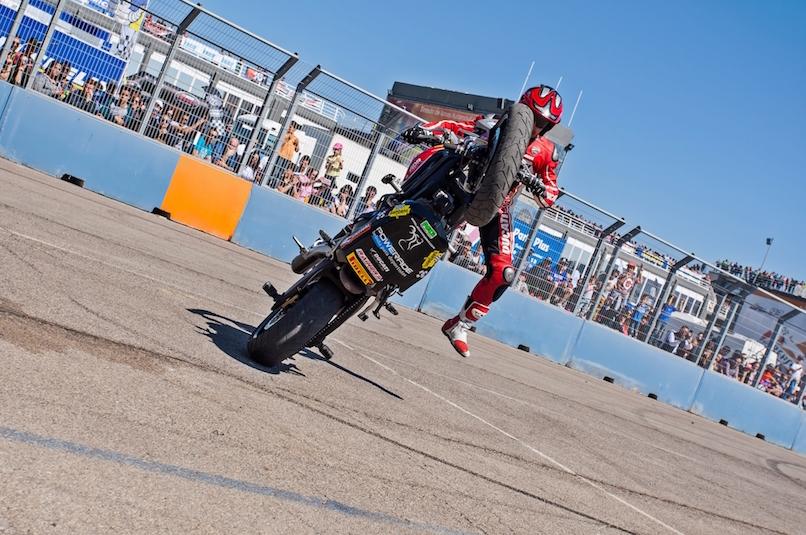 14_VALENCIA NASCAR FEST_CIRCUIT RICARDO TORMO_CHESTE_EMILIO_ZAMORA_DUCATI_STUNT_TEAM_MOTOR_SHOW_ESPECTACULO_MOTO_PANIGALE_MONSTER_XDIAVEL_DRIFT_BURNOUT_WHEELIE_STOPPIE_LEGEND CAR_2017