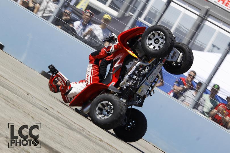 14_VALENCIA_NASCAR_FEST_2017_CIRCUIT_RICARDO_TORMO_COMUNITAT_VALENCIANA_EMILIO_ZAMORA_DUCATI_STUNT_TEAM_MOTOR_SHOW_WHEELIE_QUAD_CABALLITO_NZI_RAINERS_PIRELLI_BARDAHL_ADR_GRAPHICS_LOLOPAMANES
