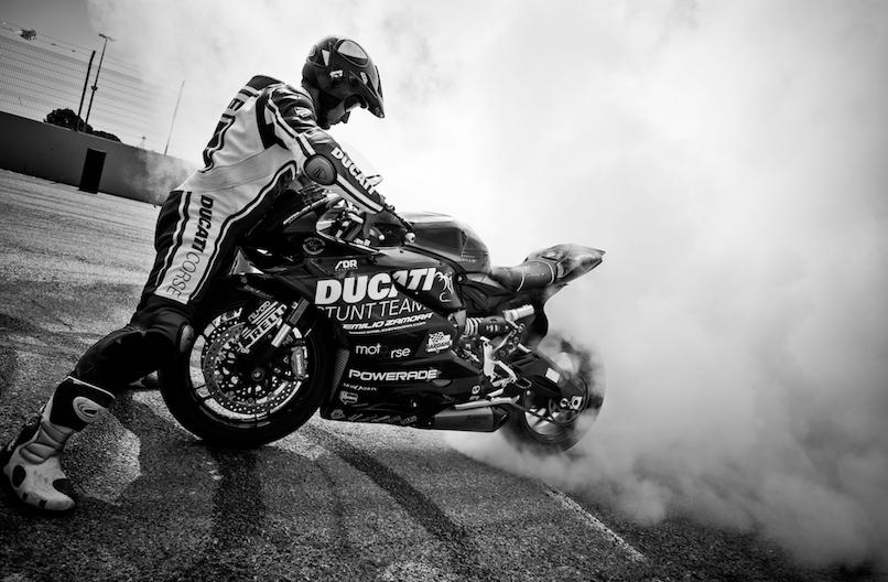 34_VALENCIA NASCAR FEST_CIRCUIT RICARDO TORMO_CHESTE_EMILIO_ZAMORA_DUCATI_STUNT_TEAM_MOTOR_SHOW_ESPECTACULO_MOTO_PANIGALE_MONSTER_XDIAVEL_DRIFT_BURNOUT_WHEELIE_STOPPIE_LEGEND CAR_2017