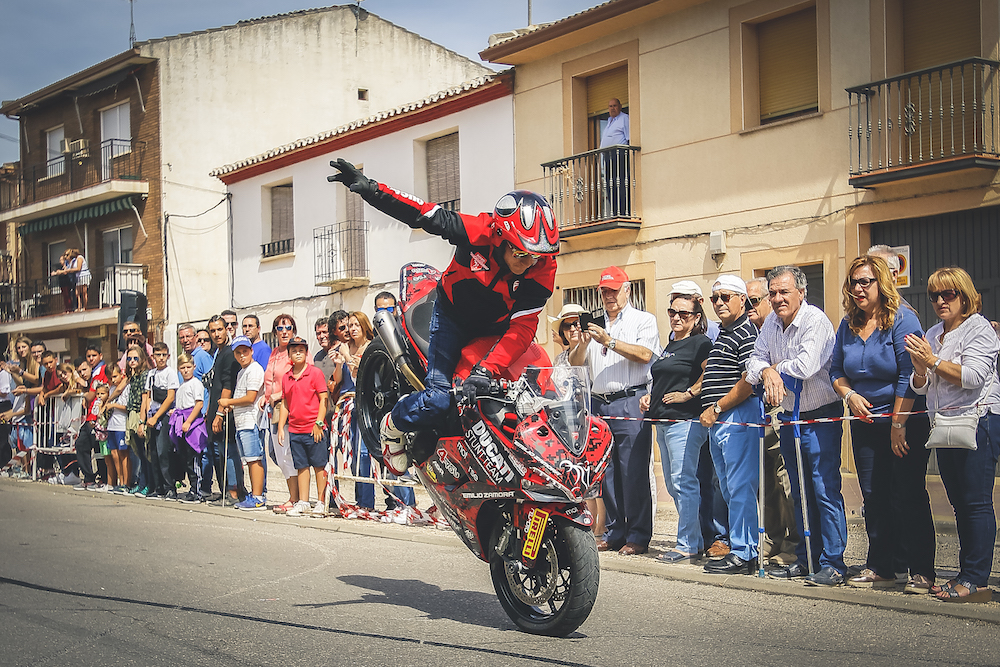 015 VILLAREJO DE SALVANES_EMILIO_ZAMORA_DUCATI_STUNT_TEAM_MOTOR_SHOW_ESPECTACULO_FREESTYLE_QUAD_MOTO_WHEELIE_STOPPIE_BURN OUT_MADRID_DIVERTIDO_DIVERSION_EXHIBICION_2017