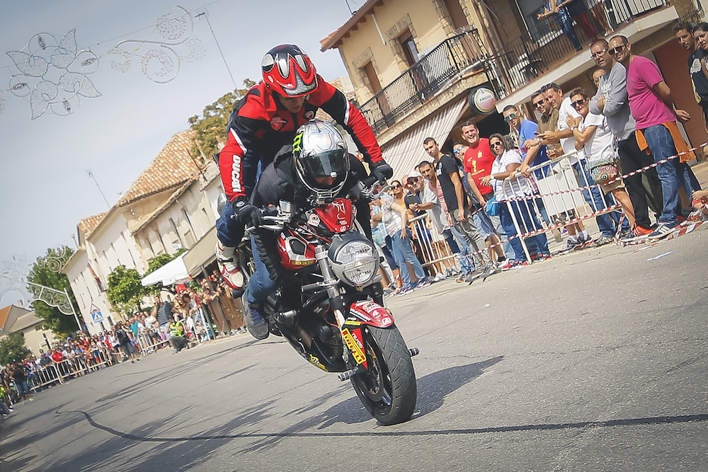 024 VILLAREJO DE SALVANES_EMILIO_ZAMORA_DUCATI_STUNT_TEAM_MOTOR_SHOW_ESPECTACULO_FREESTYLE_QUAD_MOTO_WHEELIE_STOPPIE_BURN OUT_MADRID_DIVERTIDO_DIVERSION_EXHIBICION_2017