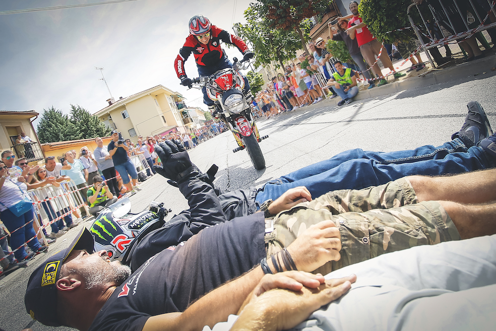 026 VILLAREJO DE SALVANES_EMILIO_ZAMORA_DUCATI_STUNT_TEAM_MOTOR_SHOW_ESPECTACULO_FREESTYLE_QUAD_MOTO_WHEELIE_STOPPIE_BURN OUT_MADRID_DIVERTIDO_DIVERSION_EXHIBICION_2017